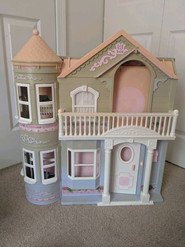 Barbie Victorian Dream House c1e9ac40-b24f-4dec-ae28-71c85292ce6f