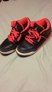 9d71744f93a Used unpaired retro white and black air jordan 5 for sale in North ...