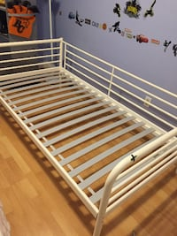 white twin size metal day bed frame with slats  3725 km