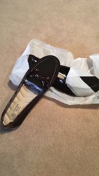Size 10 cushion walk shoes never worn still in packaging