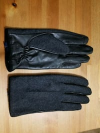 Tommy Hilfiger Men's gloves  Calgary, T2P 1L8
