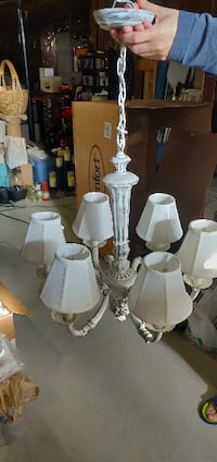 6 Lamp Chandellier pick up only