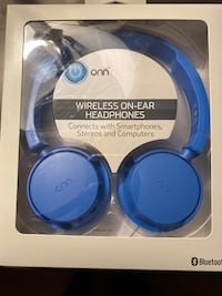 Blue wireless head phones Springfield, 22150