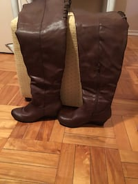 Woman's mid-thigh high wedge boots Stoney Creek, L8G 3N7