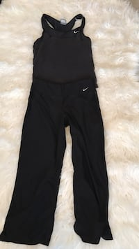 Nike workout top and pants small