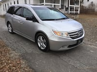 2011 HONDA ODYSSEY TOURING- AUTOMATIC- LEATHER- 6 CD DISK- DVD- NAVIGATION- SUNROOF- WARRANTY- CLEAN TITLE- MINT Methuen, 01844