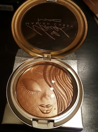 MAC limited edition Mariah Carey highlighter Raleigh, 27617