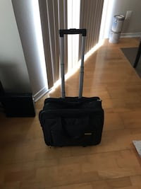 Black luggage bag with wheels in great condition  Mc Lean, 22102