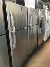 New Frigidaire 30in top and bottom refrigerator