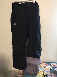 North face snow pants size large size 34 24 km