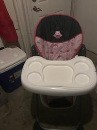 baby's white and red high chair 46 km