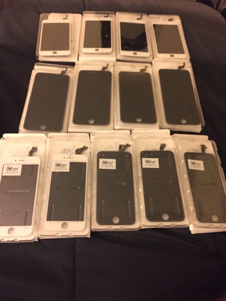 Photo Black-and-white iphone digitizer lot
