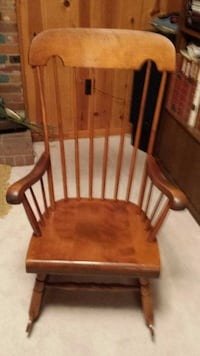 Wooden rocking chair Alexandria, 22306