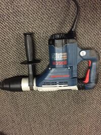 Bosch hammer drill mint condition used once 400 firm . Surrey, V3S 0N6