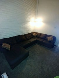 Brown fabric sectional sofa with throw pillows El Paso, 79935