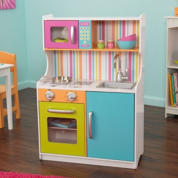 KidKraft Play Kitchen (New in Box) 75979e8b-d861-4a05-8cc2-3a1a3b33ba8f