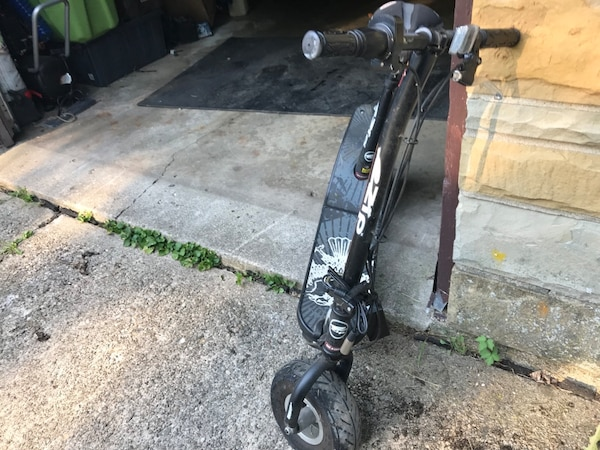 EZIP Electric 24v Scooter 350