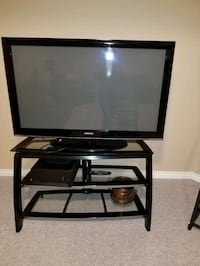 Selling TV stand Richmond Hill, L4S 1C2