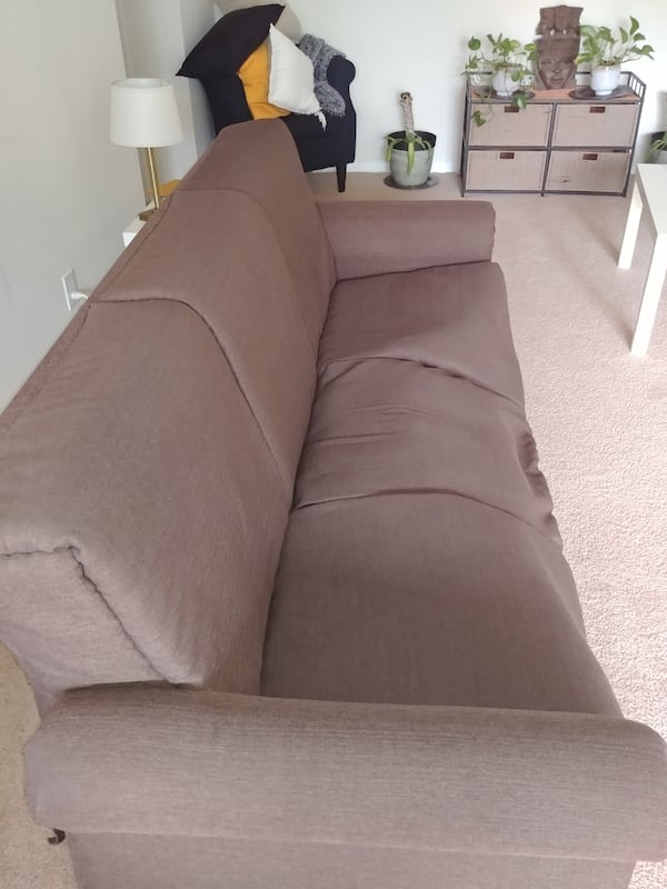 Couch for Anyone in Need 4c342016-6ee2-4df3-a562-ca20d841011b