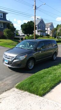 2010 Volkswagen Routan East Haven