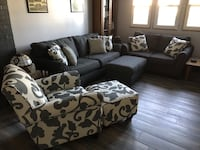 Two Couches, Chair, & Two Ottomans w/ Pillows Sykesville, 21784