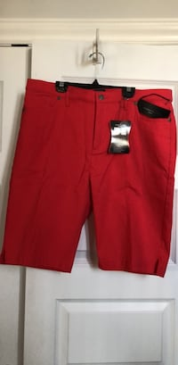 New : Simon Chung above knew shorts size 16 Laval, H7X 3K4
