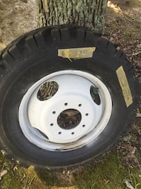 GMC Truck wheel with new tire Rhoadesville, 22542