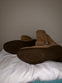 UGG chestnut wedge boots size 9