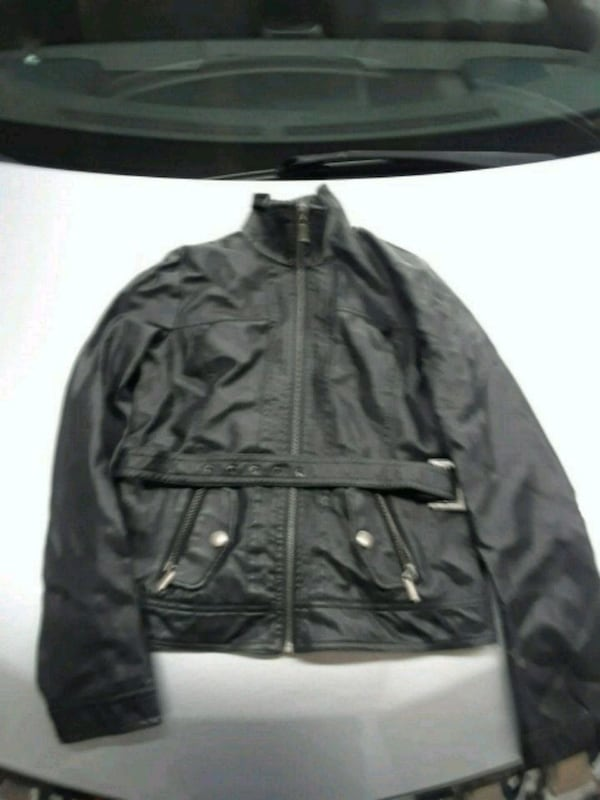 leather jacket mint condition for $30 69081395-119b-4945-aff8-658eb41faf12