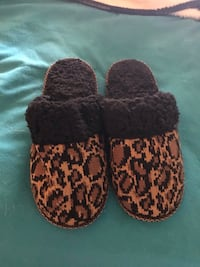 BRAND NEW SLIPPERS  North Las Vegas