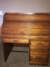 brown wooden roll top desk Orland Park, 60467