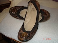 60641 Tory Burch flats size 9 .5 Chicago
