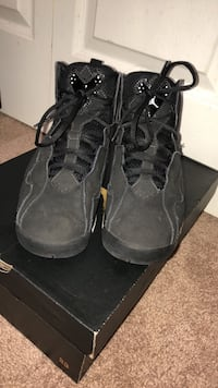 pair of black Air Jordan basketball shoes Manassas, 20110