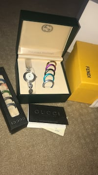 Gucci watch comes with different 7/10 condition Newmarket, L3Y 3R2