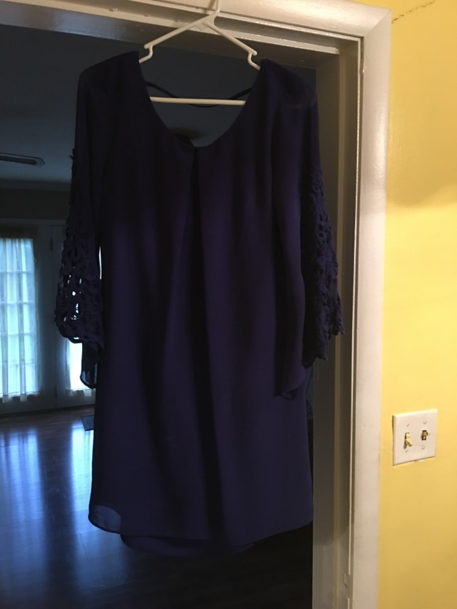 Black scoop neck dress - La Vergne