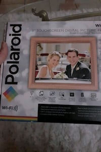 Polaroid  digital 8in. Touch screen picture frame