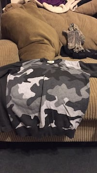 white, black, and gray camouflage sweater Temple, 30179