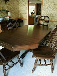 brown wooden dining table set Herndon, 20171