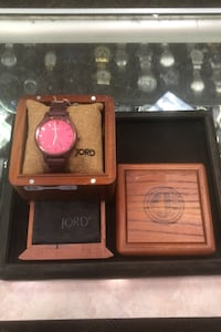 Jord cherry wood watch with box  Louisville, 40202