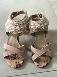 disigner highheels sandal open toe  pearls lacy details