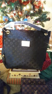black Louis Vuitton Monogram leather shoulder bag
