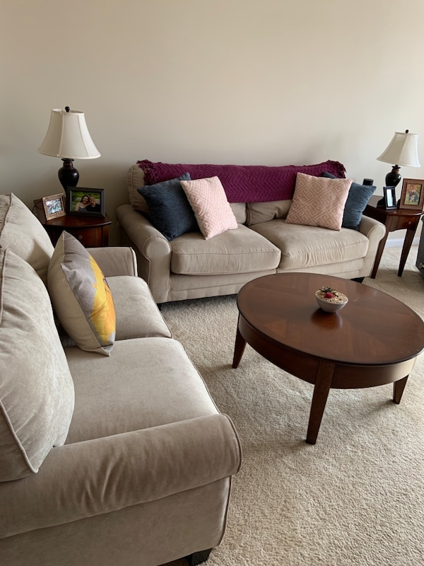 Matching Serta Sofa and Loveseat in Marzipan 4