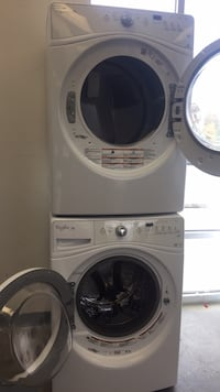 Washer and dryer set excellent condition whirlpool