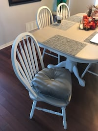 Table chairs cushions Aurora, L4G 7T9