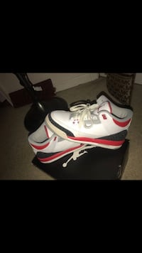 Pair of white-and-red air jordan shoes Frederick, 21703
