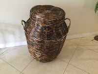 brown wicker basket with lid Costa Mesa, 92626