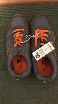 Boys size 1 shoe  St. Clair Shores, 48082