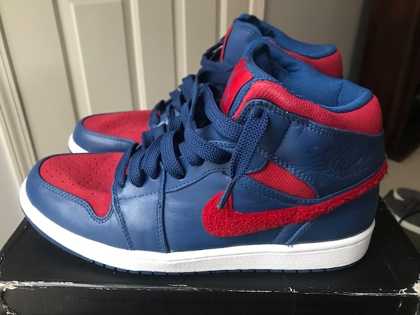 low priced 1475e 6582d Pair of blue-and-red Jordan Flight nike basketball shoes (New). Size 9s