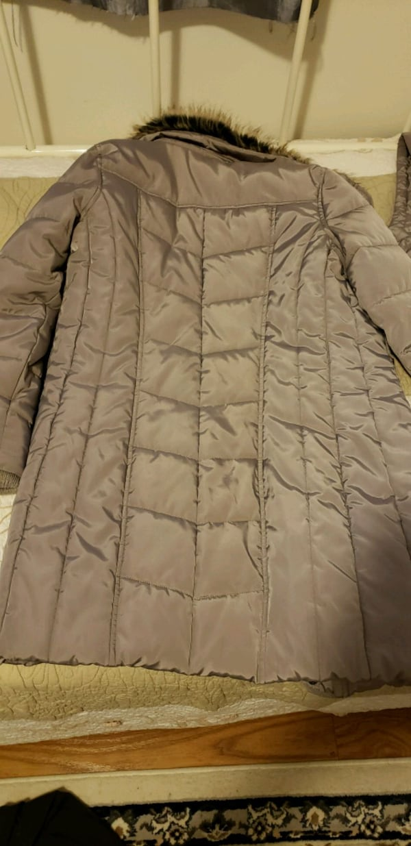 Winter coat  7f05ced6-2dd7-4bf4-83a7-baf512cc401b