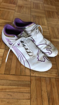 Pair of white-and-purple puma shoes size 9.5 Oakville, L6H